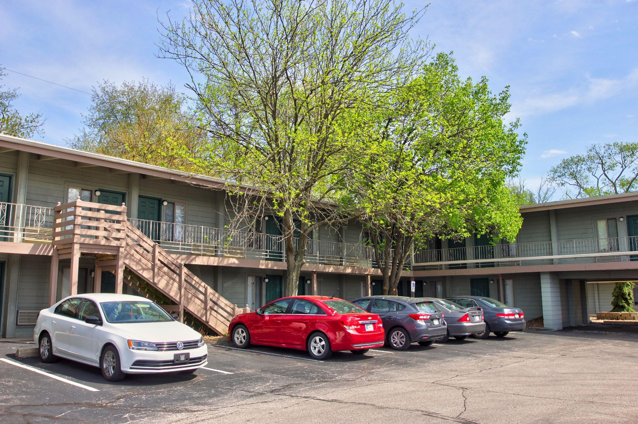 Scholars Rock Studio Apartments